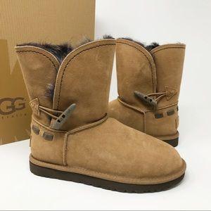 NIB UGG Australia Chestnut Suede Meadow Boots 6